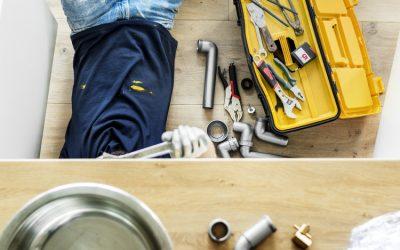 Cinco sinais de que você precisa para chamar um encanador